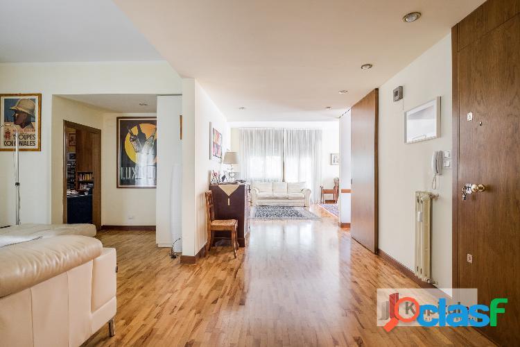 Appartamento ampia metratura con terrazzo e due garage