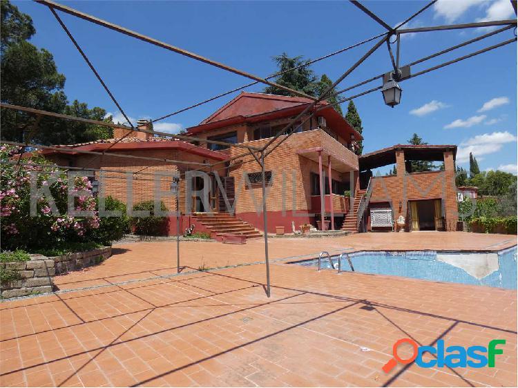 Splendida villa con piscina a Campagnano