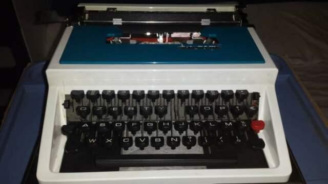 Macchina da scrivere Olivetti Underwood 315