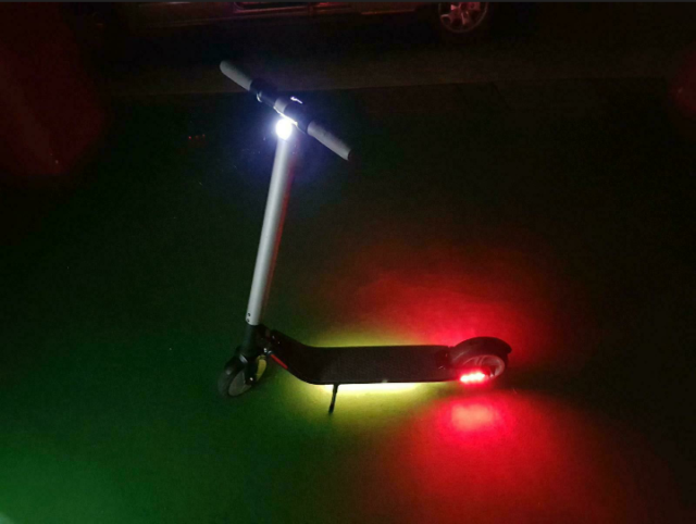 Monopattino elettrico Roller ES2 Segway Scooter