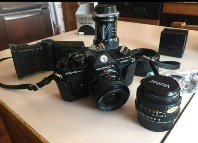 Macchina fotografica a pellicola YASHICA. Fx-3 super  +