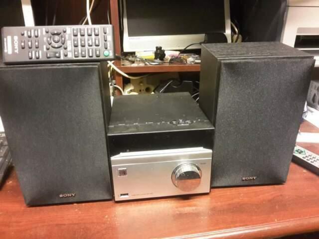 Sony HCD-S20B - DAB/FM/USB SINTOLETTORE CD:€ 80