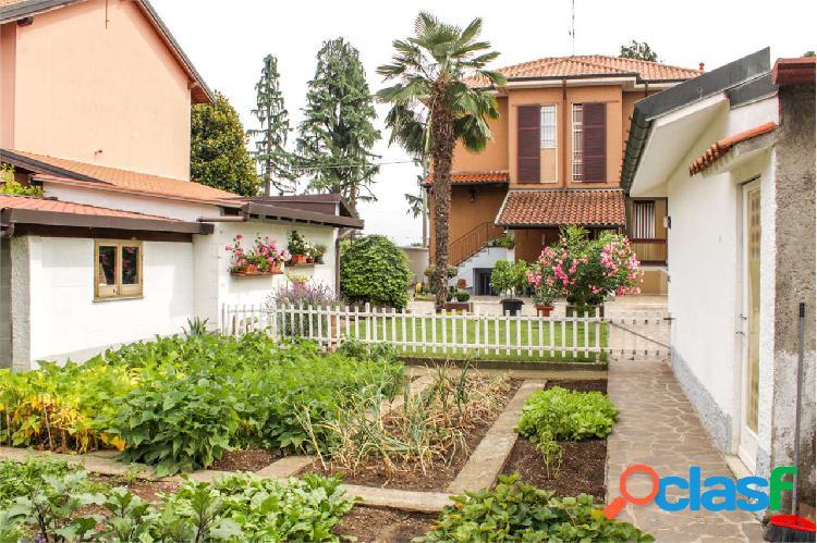 Villa bifamiliare in centro a Marcallo