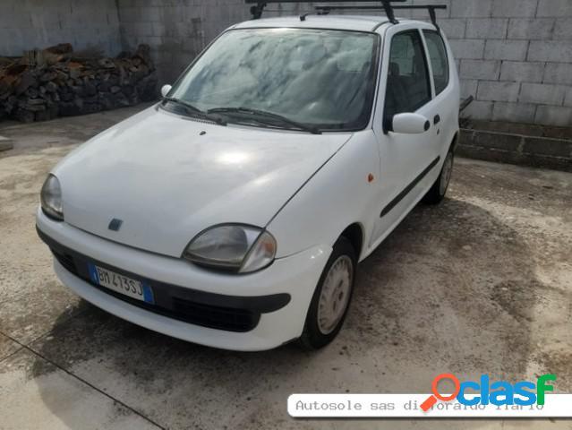 FIAT 600 benzina in vendita a Castri di Lecce (Lecce)