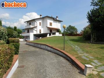 Villa a Carrara di 450 mq