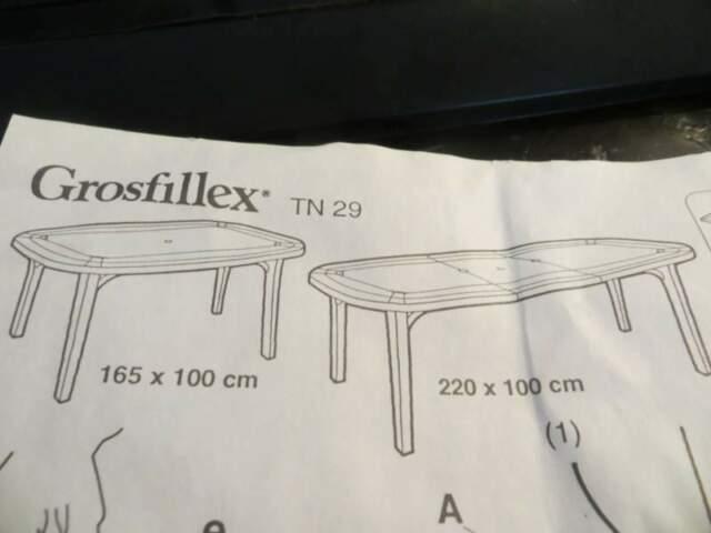 Grande tavolo e sedie da giardino GROSFILLEX