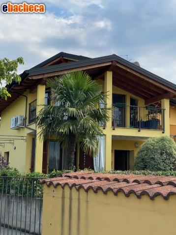 Villa con box in via…