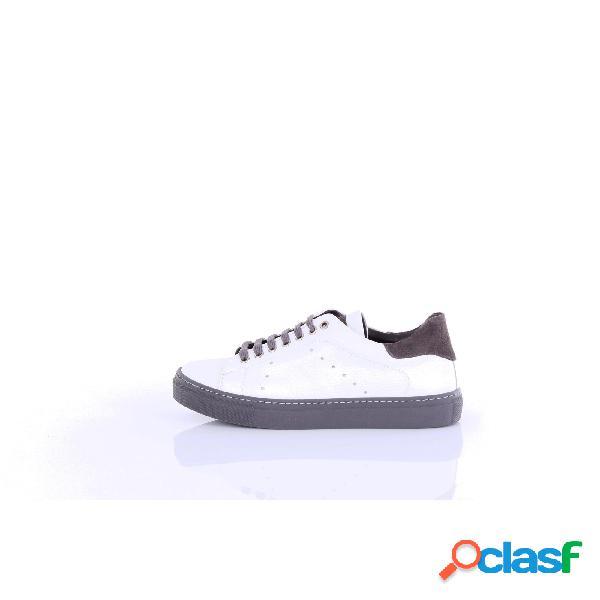 Barba sneakers in pelle liscia di colore bianco
