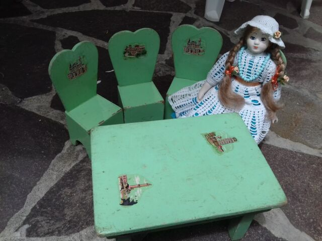 Mettitutto giocattolo antico tavolo e sedie coordinate