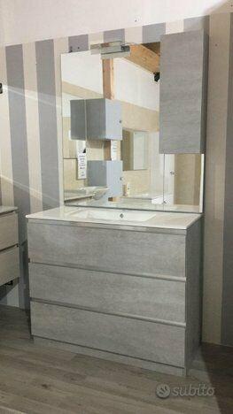 Mobile bagno completo di specchio pensile e led