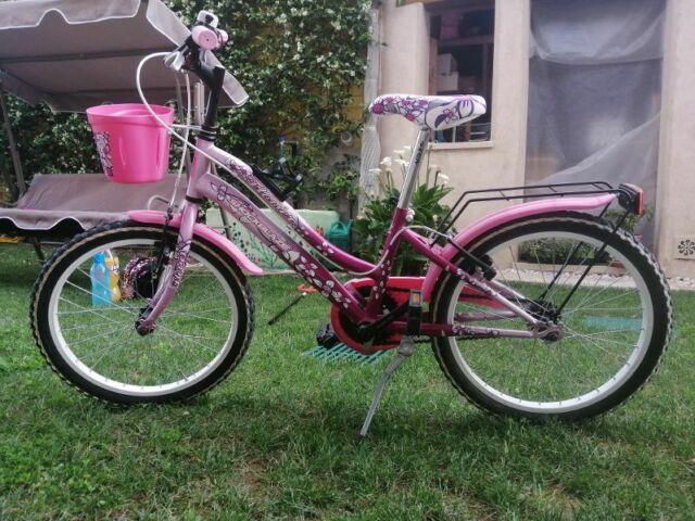 Bicicletta per bambina 5/8 anni