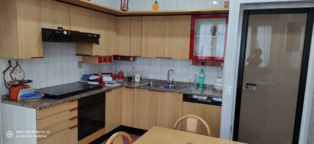 Cucina angolare attrezzata