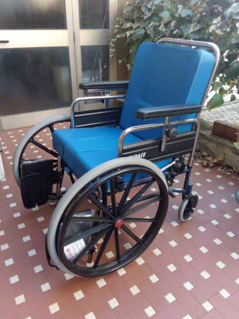 Carrozzina per disabili nuova