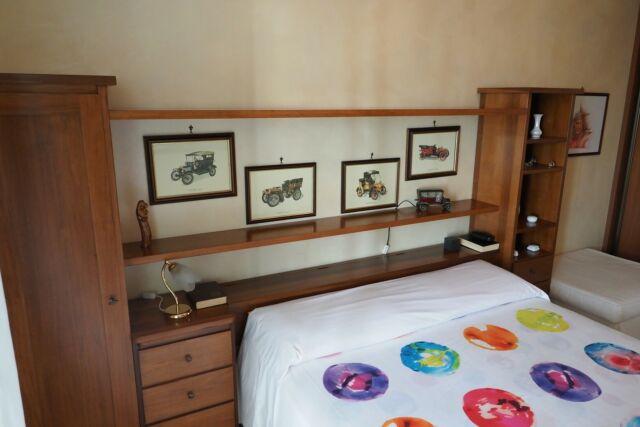 Camera da letto in legno massiccio