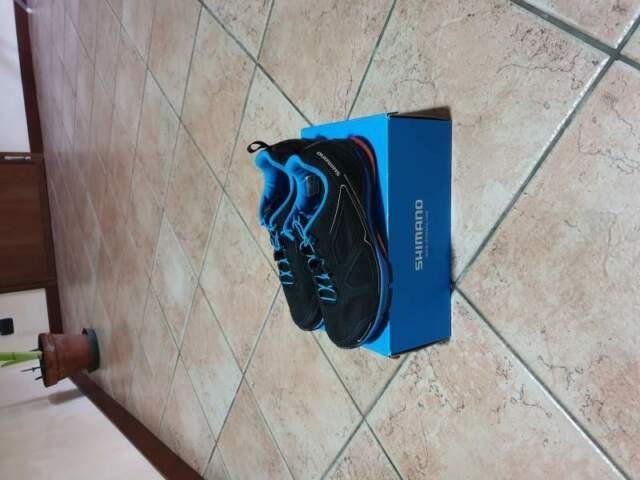 Scarpe da mountanbike della shimano nuove mai usate numero