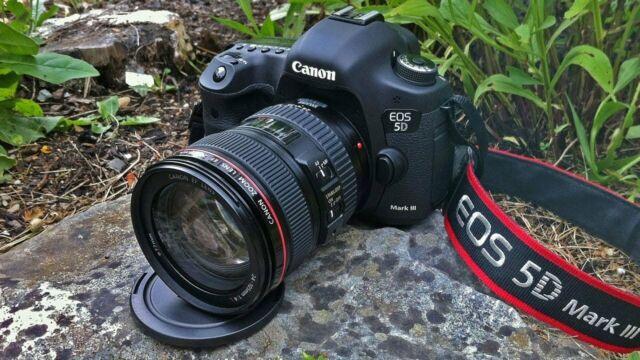 Canon 5d mark III con obiettivo eos