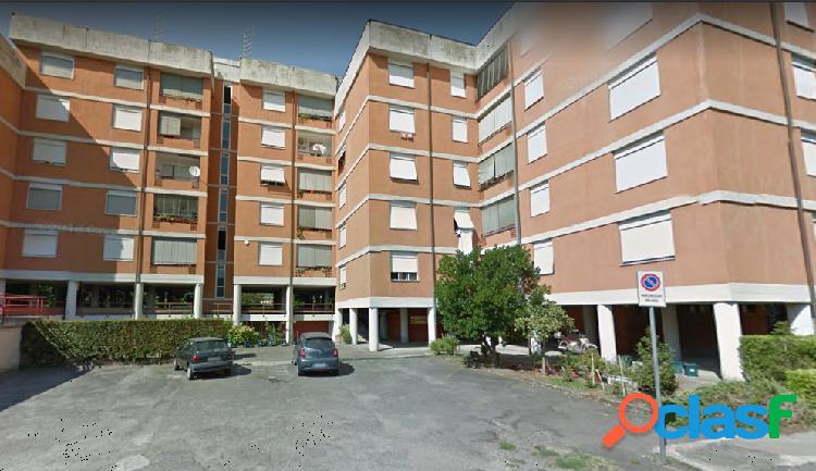 Appartamento all'asta in Via De Gasperi 251, Lucca