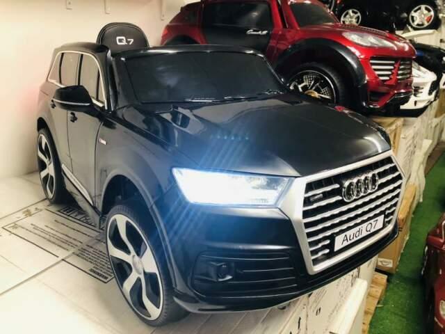 Auto macchina elettrica AUDI Q7 licenza Nero