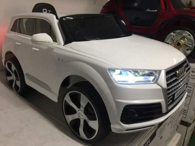 Auto macchina elettrica Q7 bianco (pelle) mp3