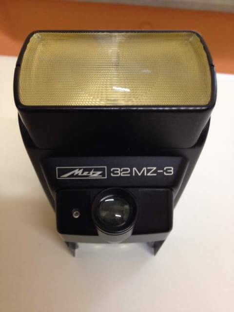 Flash Metz Mecablitz 32 MZ-3