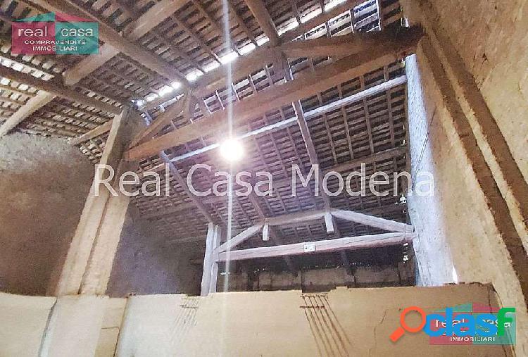 Rustico - Casale su lotto di 2500 mq. a Modena