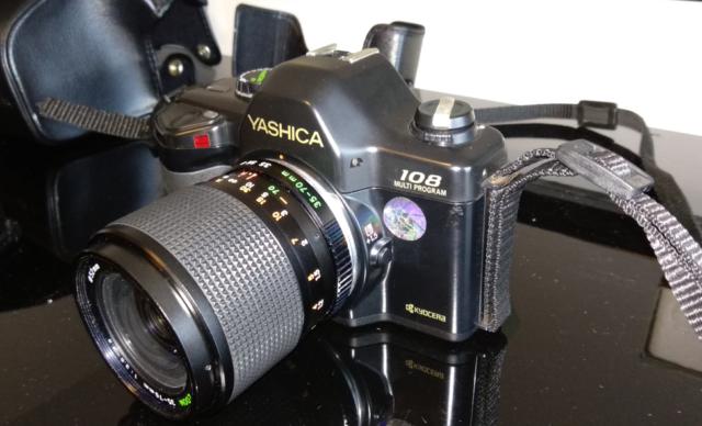 Macchina fotografica Yashica 108 MP, ,Flash CS-220 Auto