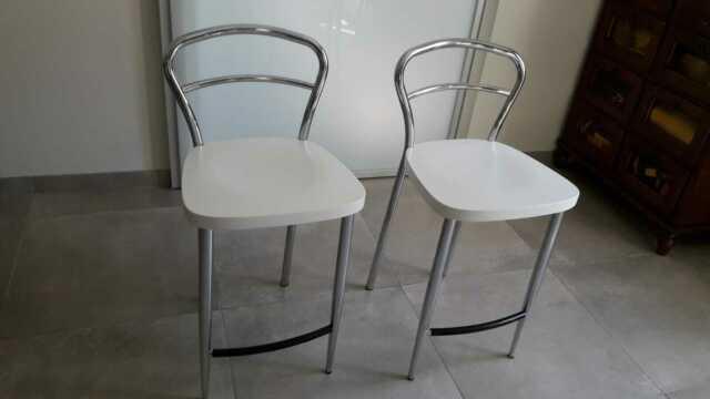 Sedie sgabelli Calligaris cn seduta bianca.