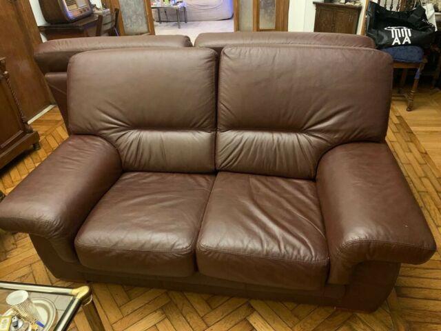 Due divani in vera pelle testa di moro 2 e 3 posti