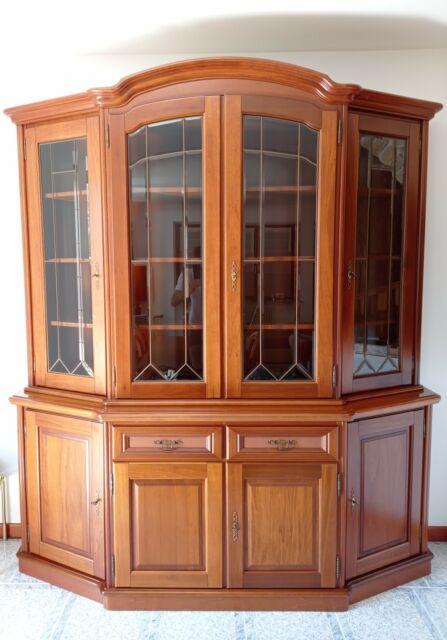 Mobile con vetrina in legno massello di noce