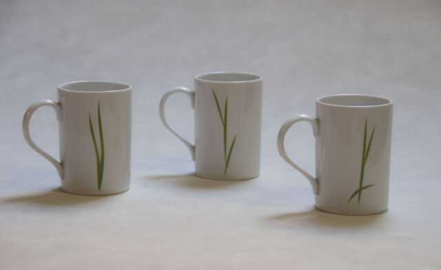 Tazze mug e piatti decorati