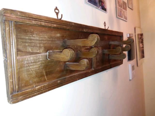 Attaccapanni a muro in legno vintage