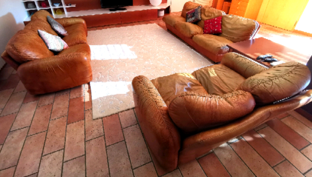 3 divani in vera pelle + 1 poltrona