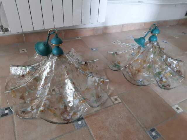Due lampadari di vetro di murano a soffitto