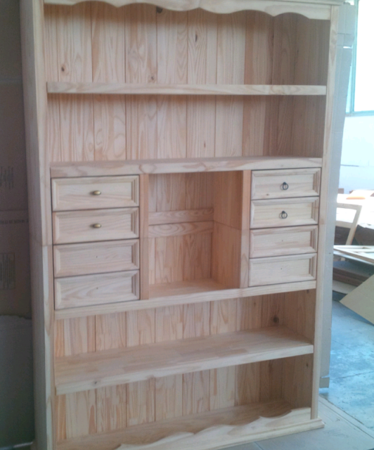 Mobile libreria con cassetti in legno massello naturale di