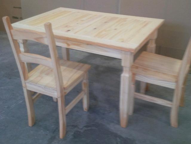 Tavolo con 4 sedie tutto in legno massello naturale di pino