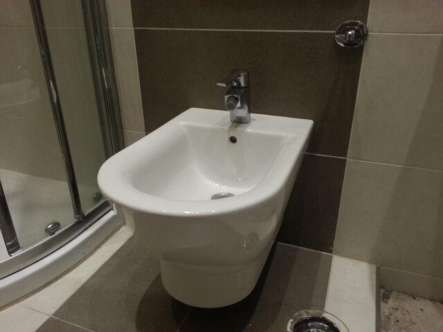 Trittico pezzi igienici e rubinetteria