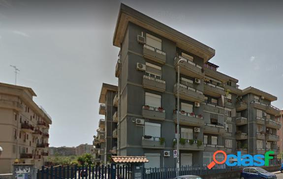 Garage all'asta in via dei Piccioni, Catania