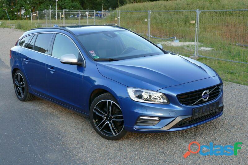 Volvo V60 T3 Momentum R Design