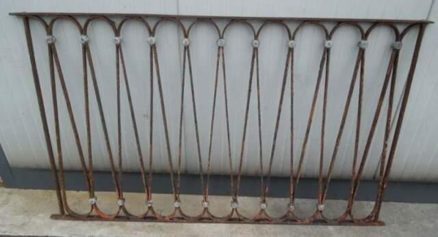 Ringhiera in ferro battuto antica con decori in piombo