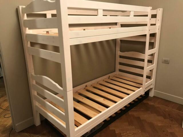 Camere da letto in legno massello per casa di montagna