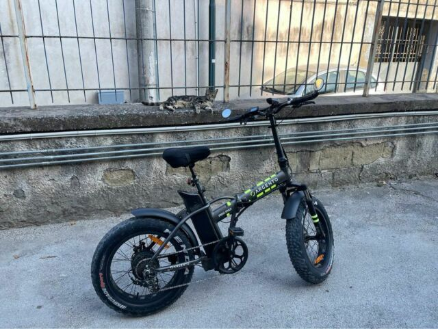 Bicicletta elettrica pieghevole argento 500 watt