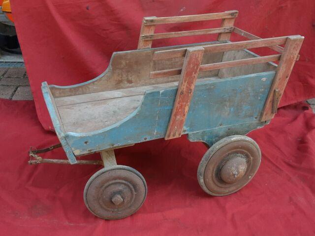 Carretto giocattolo in legno primi novecento
