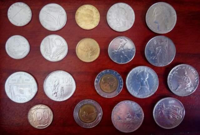 Serie monete della Repubblica Italiana con pezzi in argento.