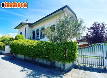 Villa a Marina di Massa
