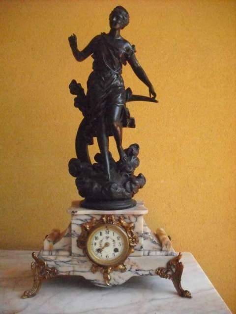 Orologio vintage parigina a pendolo da tavolo o camino