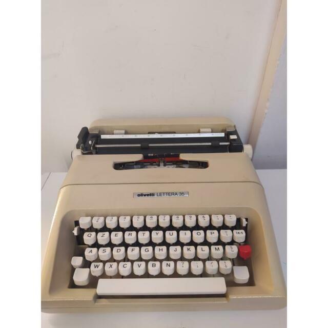 Macchina da scrivere lettera 35