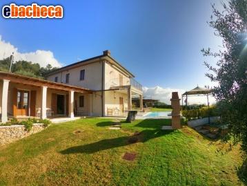 Villa a Montignoso